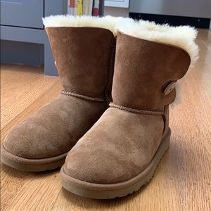 BAILEY BUTTON ll BOOT BY UGG